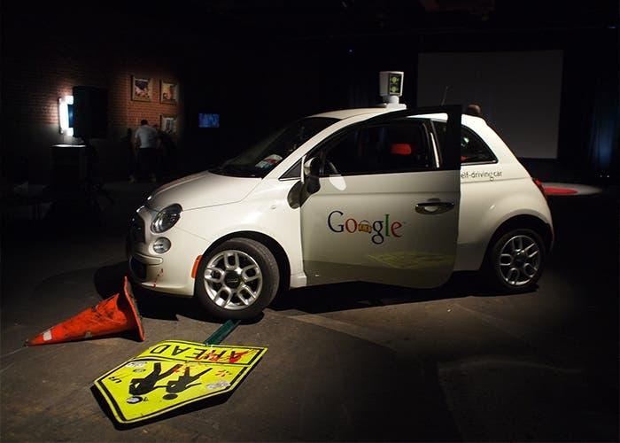 El coche de Google ha tenido algún accidente que otro, aunque todos menores.