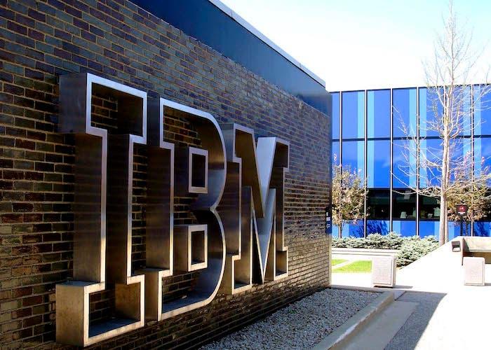 IBM sede central letras