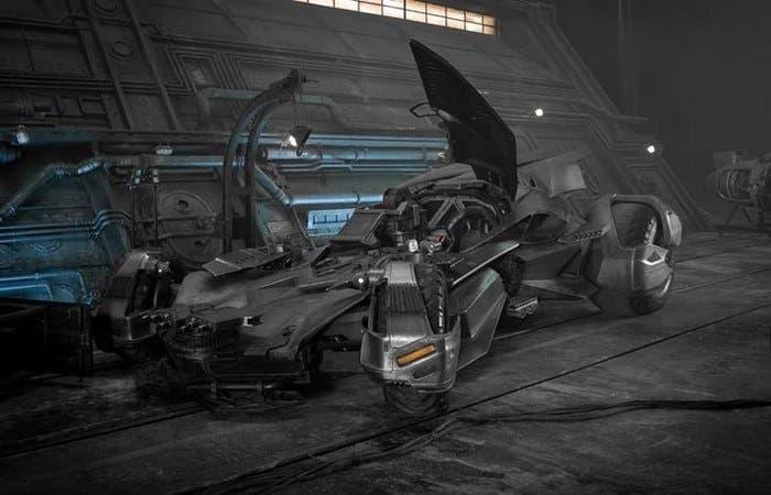 Batmóvil-Liga-Justicia