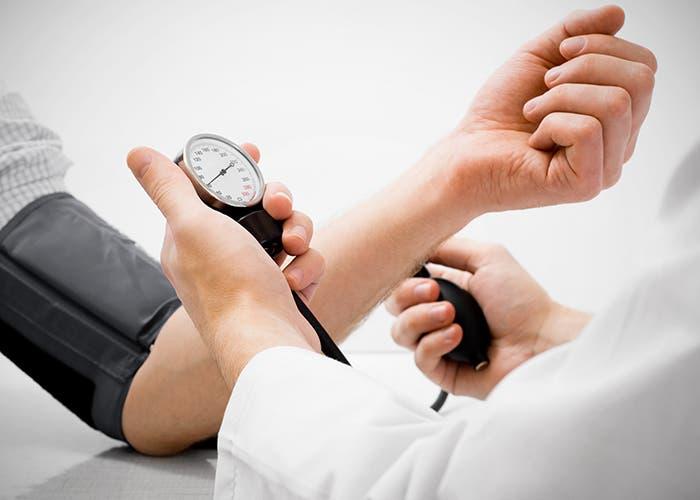 salud-médico-tensión