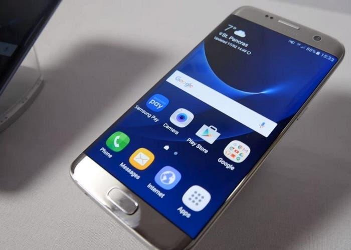 Samsung-Galaxy-S7-edge-plata-pantalla-700x500
