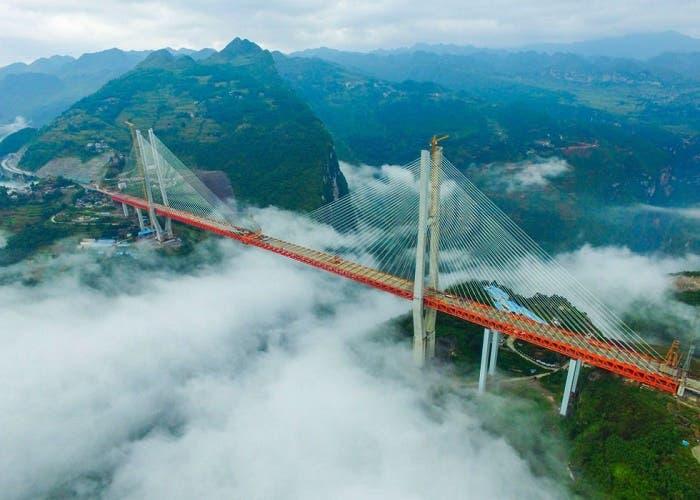China construye el puente más alto del mundo