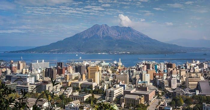 Sakurajima, el volcán a punto de erupcionar en Japón