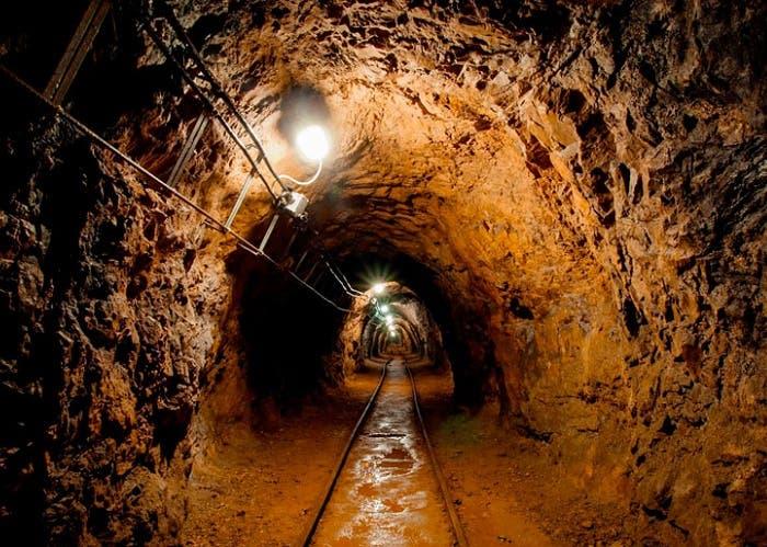 El Salvador se convierte en el primer país del mundo en prohibir la minería de metales
