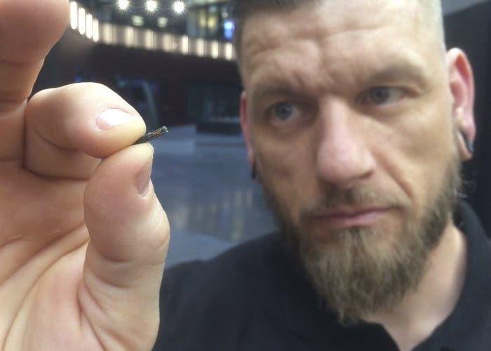 Biohax implanta chips en personas que permiten comunicarse con objetos inteligentes