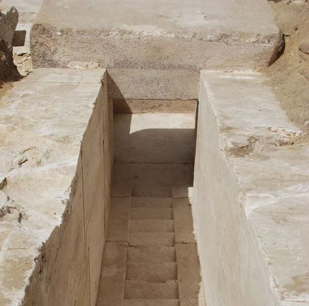 Descubren restos de pirámide egipcia de 3700 años de antiguedad
