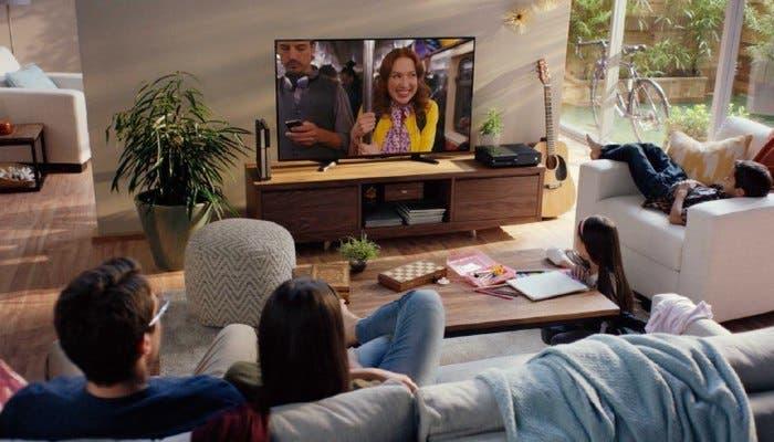 Familia disfrutando de Netflix