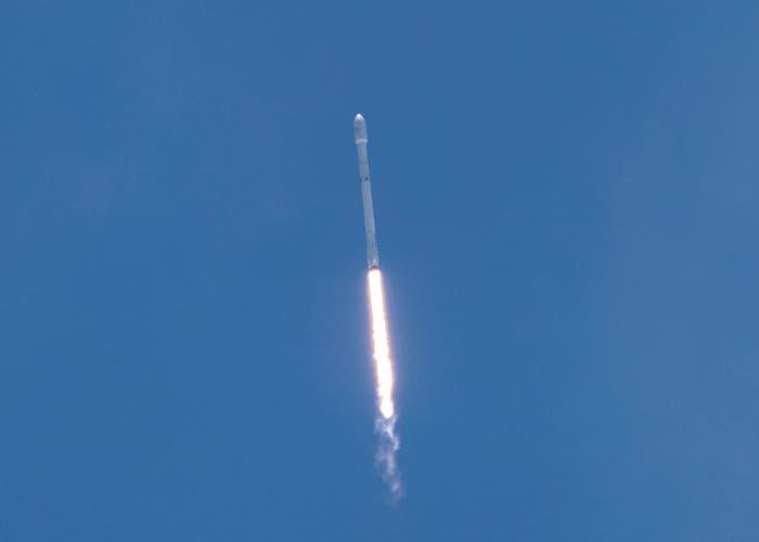 Lanzamiento de Falcon 9 por SpaceX