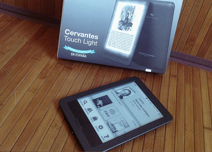 bq Cervantes Touch Light, caja y gadget