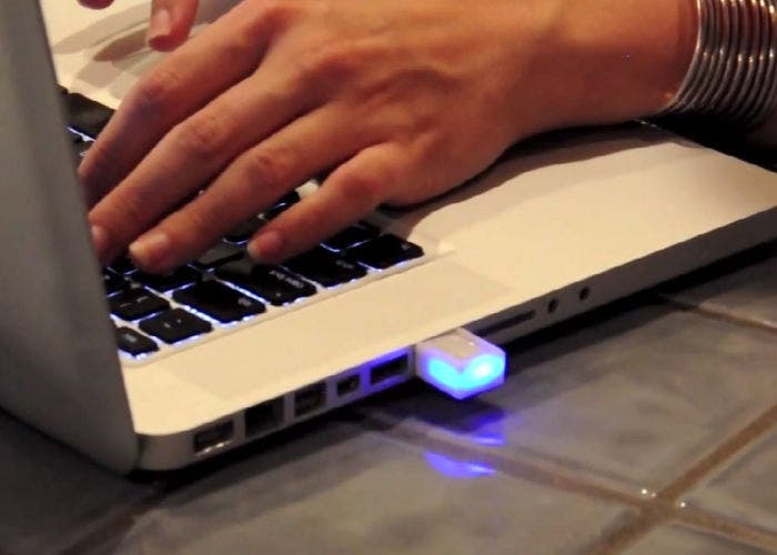 Imagen del LED de notificaciones blink(1)